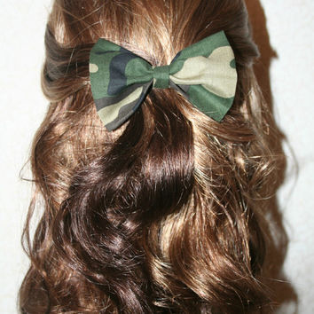 Hair Bow - Camo Bow - Camoflauge Bow - Army Girl Hair Bow - hair bows for teens and women - bows for girls - bows for hair - Hair Bows -