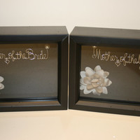 Sale.Wedding.Mother of the bride gift.mother of the groom gift. wedding gift idea. wire name.gift idea. shadow box
