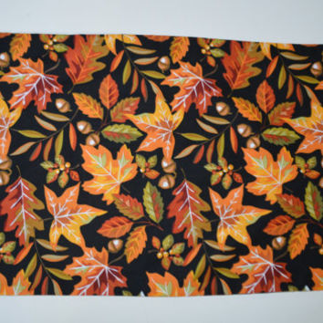 Colorful Leaves Runner, Table Runner, Fall Decor, Centerpiece, Leaves and Acorns, Kitchen Accent Autumn Decoration, Wool Felt, Cotton Fabric