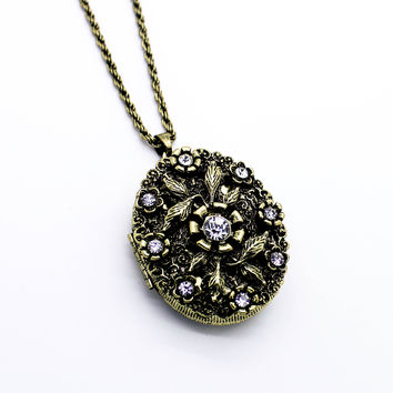 Flower locket long necklace