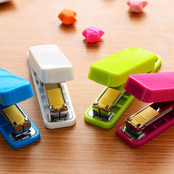 Mini Stapler set Staples Mini style candy color stapler grampeador kawaii stationery office material school supplies