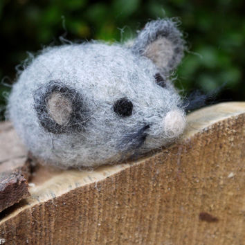 "Needlefelt mouse, custom order. Needle felted animal. Needle felted miniature mouse. 2.4"" tall, handmade. Felted mouse. Needlefelt animal."