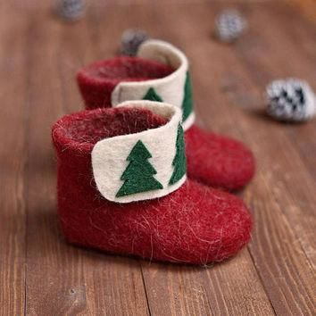 Christmas kids boots slippers- felted baby booties- baby wool boots with Christmas dec