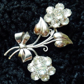 Rhinestone Jewelry Large Silver and Rhinestone Flower Brooch. Mid Century Glamour.