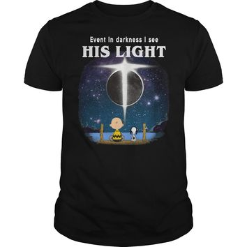 Snoopy and Charlie Brown: Even in darkness I see his light shirt Premium Fitted Guys Tee