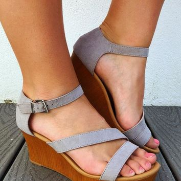 Her Summer Strut Wedges: Grey