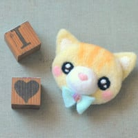 Handmade cat brooch, needle felted ginger yellow cat pin, whimsical animal brooch, children jewelry, gift under 25