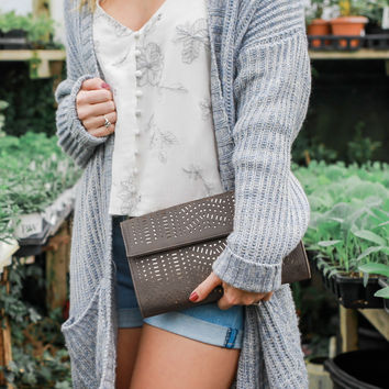 Icon Clutch - Taupe