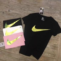 Nike: Ladies short sleeve T-shirt