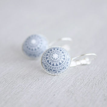 Mosaic light blue, white // silver cabochon earrings with light blue and white ornament - 14 mm Cabochons - Boho Style gift for women, girls