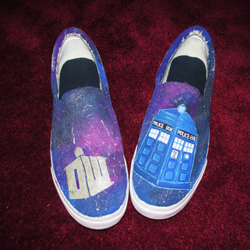 Doctor Who Galaxy Shoes - Tardis with Daleks and Weeping Angels
