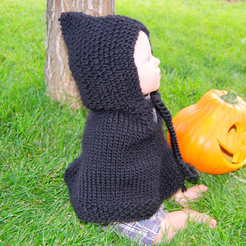 Baby poncho in black. Baby Halloween costume. Harry Potter Cape. Handmade of pure wool.  Photo Prop. Baby Shower Gift .