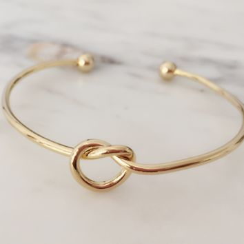 Heart Knot Bangle