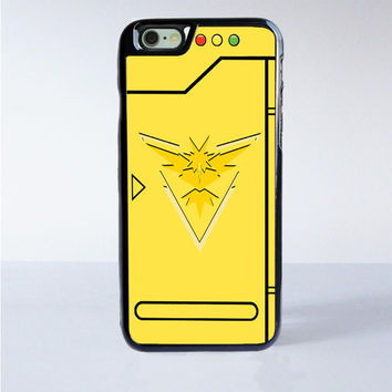 Pokemon Go Team Instinct Pokedex iPhone 6 Case