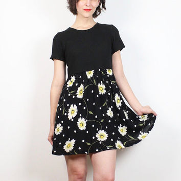 Vintage Black White Yellow Daisy Floral Print Polka Dot Mini Dress 1990s Dress Tshirt Dress Skater Dress Soft Grunge 90s Babydoll Dress S