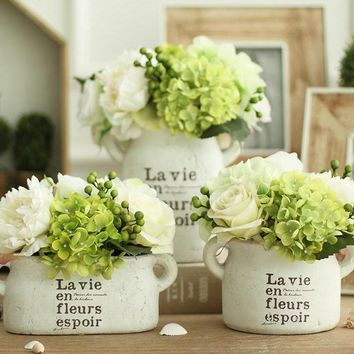 1 Piece White Clay Vintage Freshing Green Artificial Hydrangea Berries Vase Set