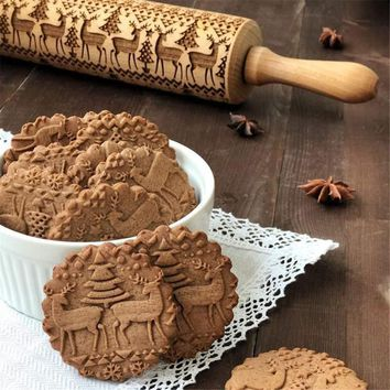 Embossing Rolling Pin with Christmas Trees and Reindeer Laser Engraved Dough Roller