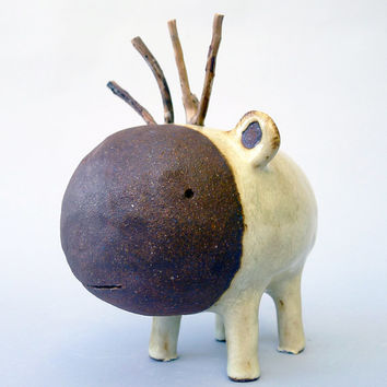 Small Ceramic sculpture called Moute 175