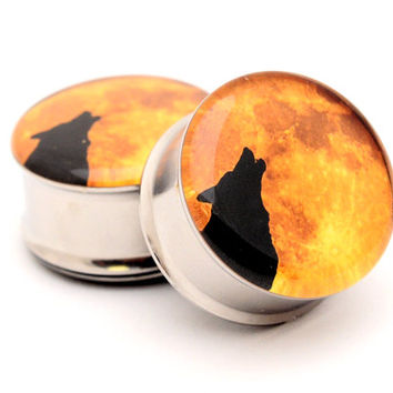 Howling Wolf Picture Plugs gauges - 16g, 14g, 12g, 10g, 8g, 6g, 4g, 2g, 0g, 00g, 7/16, 1/2, 9/16, 5/8, 3/4, 7/8, 1 inch