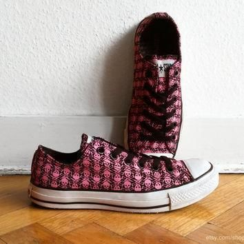 skull print bright pink black converse vintage low top all stars with black laces
