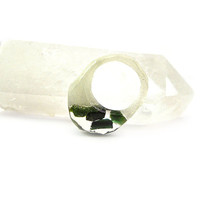 Dark Green Tourmaline and Pearl Pigment Resin Specimen Ring • Eco Resin Raw Gemstone Ring • Faceted Asymmetrical Unusual Art Ring