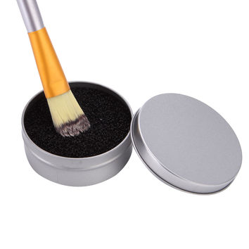 1Pcs Portable Round Sponge Brush Cosmetic Cleaner Iron Box for Eye Lip Face Makeup Brush Dust Powder Cleaning Remover Clean Case