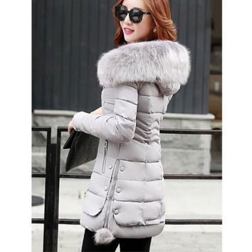 Women are thickening in winter Hooded long Down jacket/women Slim fit Heavy hair collar Cotton-padded clothes coat XXXL