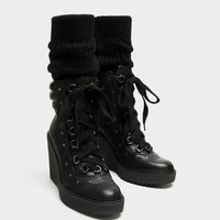 LACE-UP LEATHER WEDGE ANKLE BOOTS DETAILS