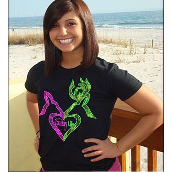 Country Life Outfitters Black Green & Pink Deer Kiss Kiss Heart Love Hunt Vintage Bright T Shirt