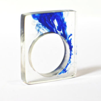 Resin ring. Deep blue. Wave. Modern jewelry. Cocktail ring. comtemporary Chunky resin. resin jewelry. clear ring OOAK