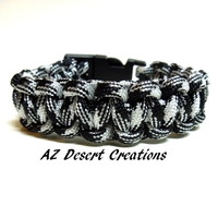 Black and White Survival Paracord Bracelet Survival Gear Parachute