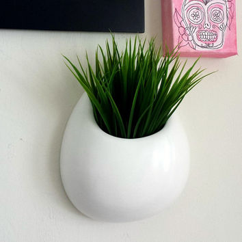 Ceramic Wall Planter White Round Wall Pocket Hand painted Modern Home Decor Hanging Vase - MADE TO ORDER