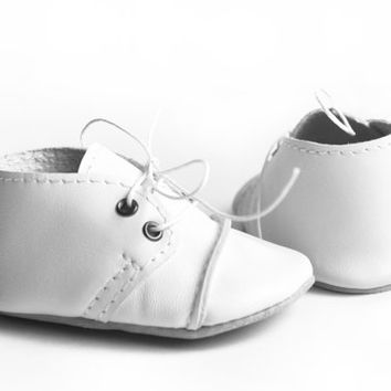 White baby shoes, Leather baby oxfords, Soft sole baby shoes, Unisex baby shoes, Newborn shoes,Newborn gift,Baby wedding shoes,Baptism shoes
