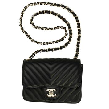 CHANEL BLACK LEATHER CHAIN SHOULDER BAG A35200