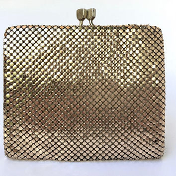 GLOMESH!!! Vintage 1970s 'Glomesh' bi-fold gold mesh purse with snap stud fasteners and multi pocket compartments