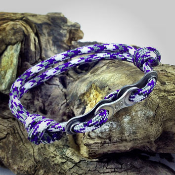 Paracord Bracelet in Purple Camo with Bike Chain Links
