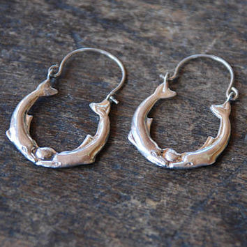 Vintage Kissing Dolphin Earrings 925 Sterling Silver Pierced Hoops Sea Creatures Animals 1980's // Vintage Sterling Silver Jewelry