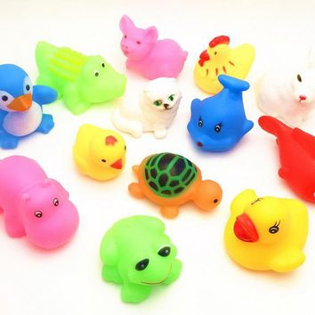 10Pcs Lovely Mixed Animals Colorful Soft Rubber Float Squeeze Sound Squeaky Bathing Toy For Baby GYH