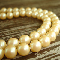 """Vintage Ivory Pearl Necklace, 22"""" Hand Knotted Glass Pearls, Single Strand Faux Pearl Necklace, Estate Wedding Bridal Jewelry, Vintage Bride"""