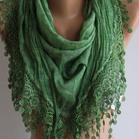 Emerald Green  / Elegance  Shawl / Scarf with Lacy Edge / soft and light