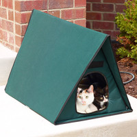 The Only Multiple-Cat Outdoor Heated Shelter - Hammacher Schlemmer