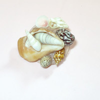 Vintage Sea Shells Brooch