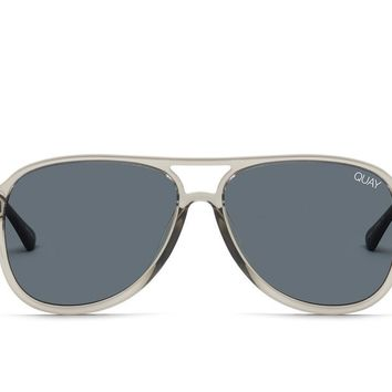 Quay Under Pressure Grey Sunglasses / Smoke Lenses