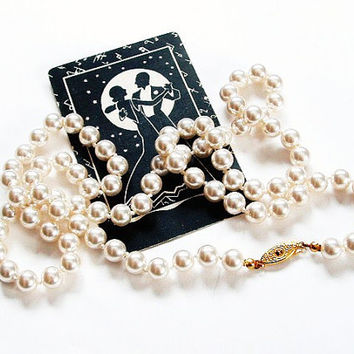 Flapper Pearl Necklace White Glass Vintage Pearl Necklace Hand Strung Pearls 30 inch