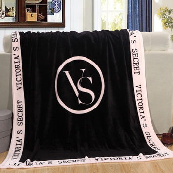 130cmX150cm Fashion Victoria Brand VS Secret Pink Coral Fleece Blanket Bedding Throws On the Bed/Sofa/Car Portable Small Blanket