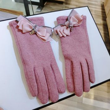 2017 Fashion Women Winter Gloves Touch Screen Womens Glove For Smartphone Cashmere Blend Plus Velvet Driving Warm Mittens AGB592