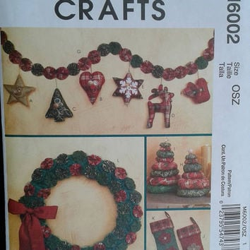 McCall's Crafts - M6002 - Christmas Sewing Pattern