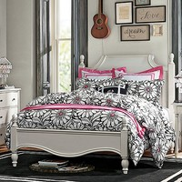 Shelby Daisy Dot Bedroom