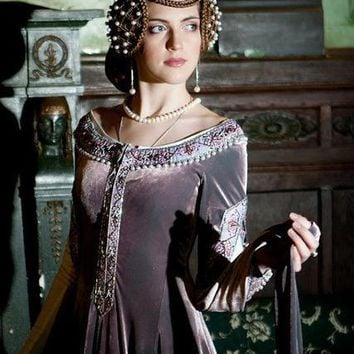 Women  Renaissance Dress - Beautiful & Finely Made - Free Shipping
