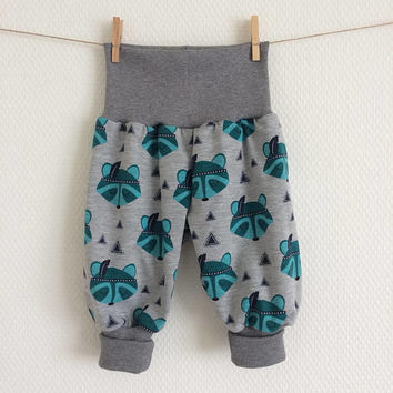 Raccoons baby pants. Baggy harem pants. Gray jersey knit fabric with raccoons and triangles. Infant pants. Gender neutral.